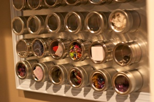 Magnetic-Crafting-Wall-DIY