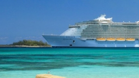 lit-cruise-ship-image-2017